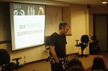 """Prof. Andreas - Mesa redonda """"Mudanças no currículo"""""""